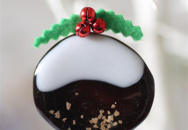 small fused glass christmas puddings with solid icing