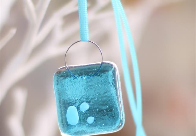 wonky-nugget-turquoise-fused-glass-handmade-decoration-9600-molten-wonky.01.jpg