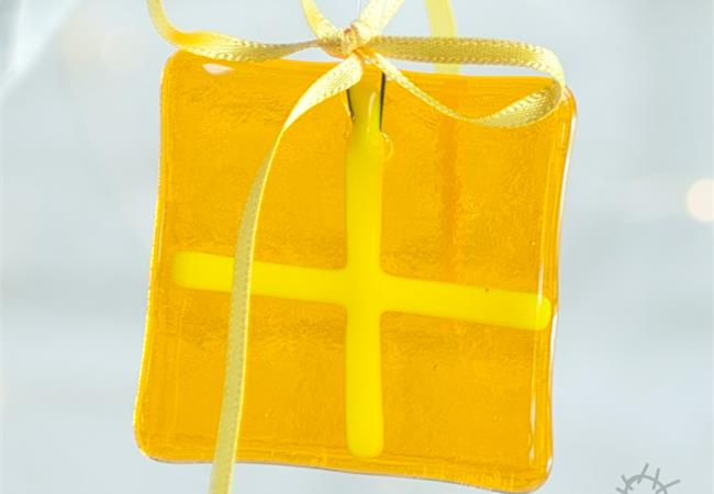 yellow fused glass present